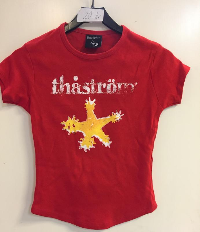 STJÄRNA   Small, Red tight girlieshirt with white/orange print on front
