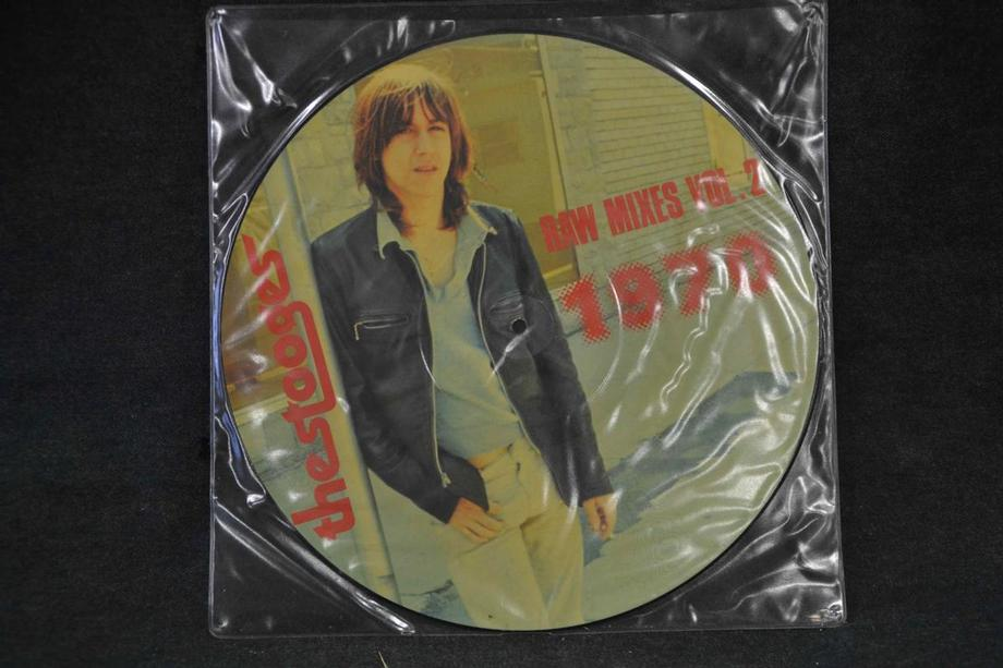 RAW MIXES Volume Two 1970 Pic disc Mint-