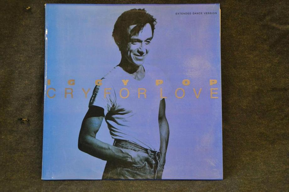 CRY FOR LOVE (DANCE MIX) / CRY FOR LOVE (EDIT) / LITTLE MISS EMPEROR non album song Spanish press Bl