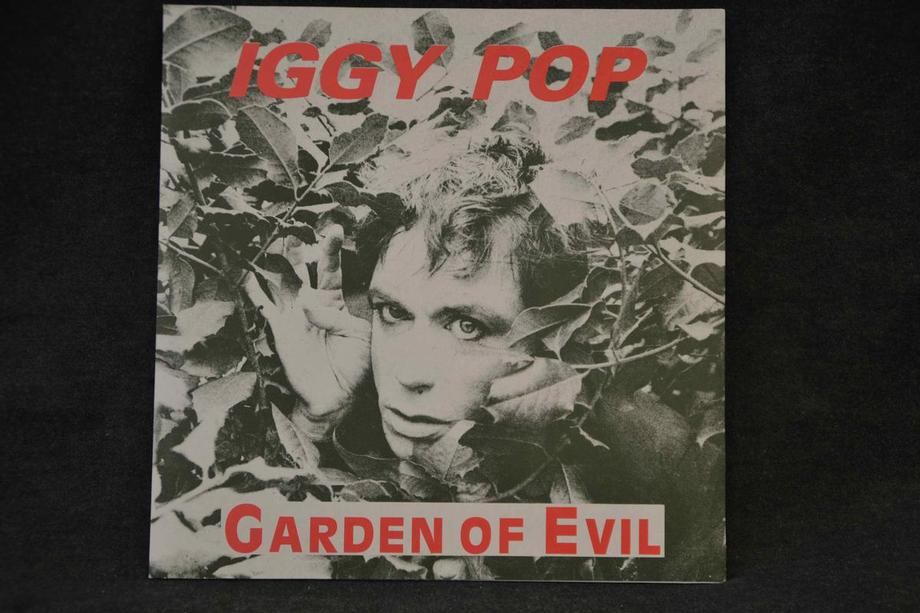GARDEN OF EVIL   Studio rehearsals Lim Ed 600, Red/Green print, Ex+