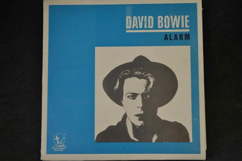 ALARM Live 77-80 Blue cover Ex