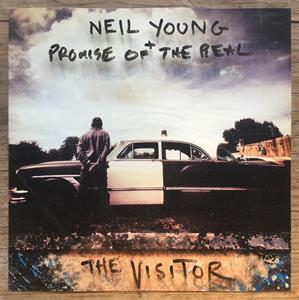 YOUNG, NEIL + PROMISE OF THE REAL - THE VISITOR (2LP)