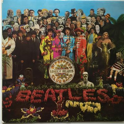 BEATLES, THE - SGT. PEPPERS LONELY HEARTS CLUB BAND UK 1969 Pressing With Black & White Labels & Insert (LP)