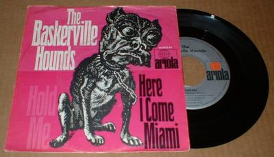 "THE BASKERVILLE HOUNDS - HOLD ME (7"")"